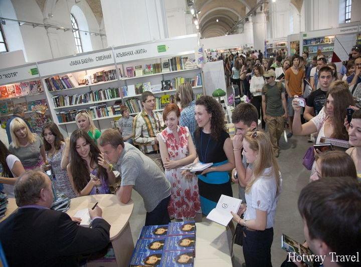 Туры в Черногорию в мае книжный фестиваль