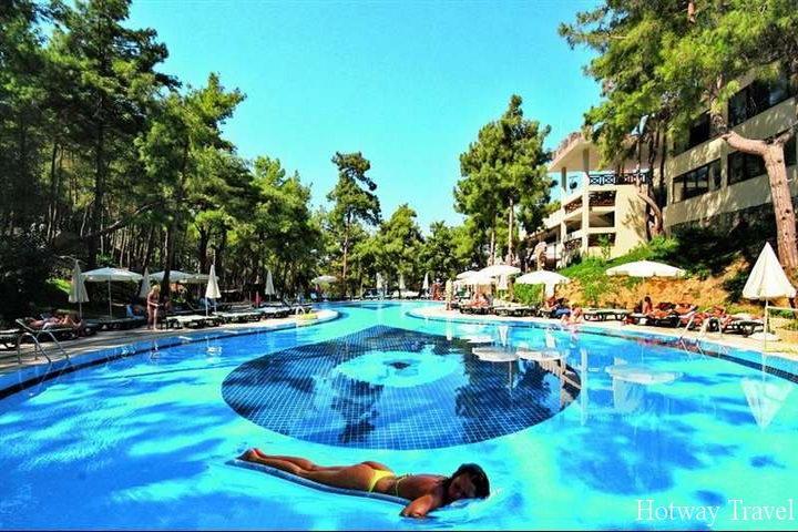Туры в Турцию в июне басейн