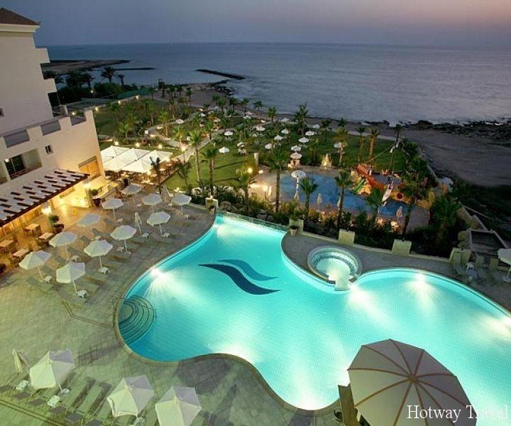 Отдх на Кипре в июне отель вечер