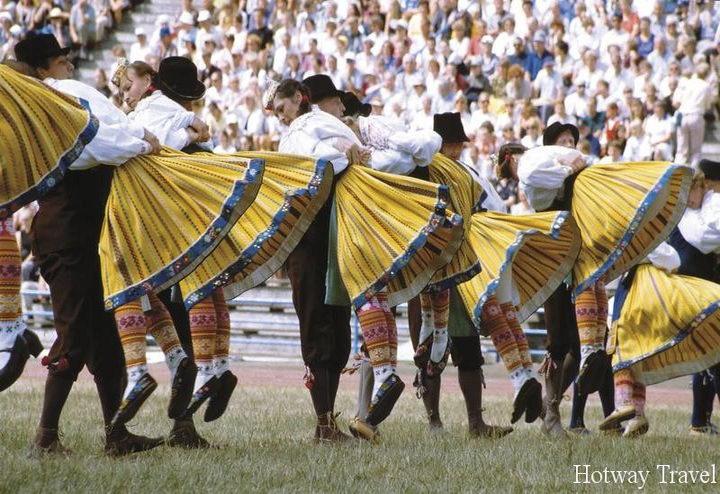 Отдых на Кипре в июле танцы