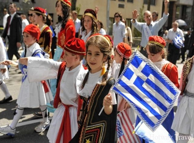 Отдых в Греции в июле праздник10