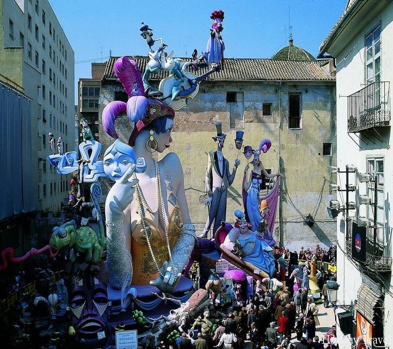 Отдых в Испании в июне праздник1