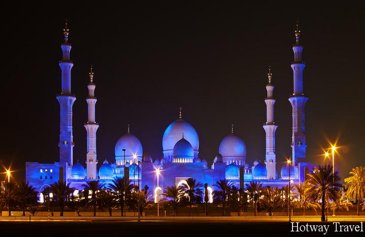 Эмирата летом Рамадан