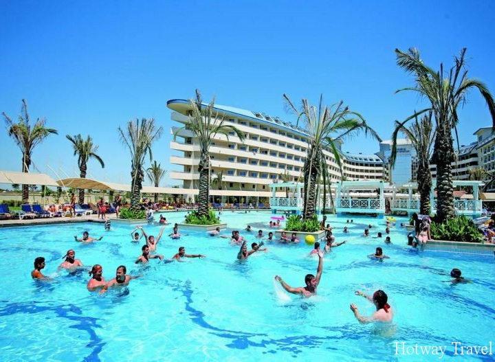 Отых в Турции в августе басейн