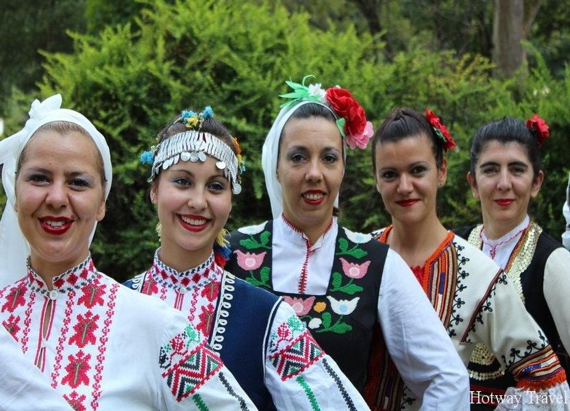 Отдых в Болгарии в августе фолькльор