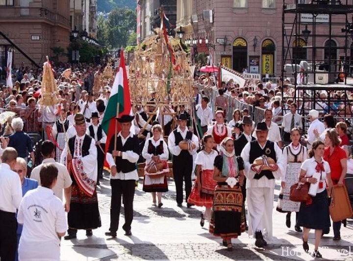 Отдых в Венгрии в августе День святого