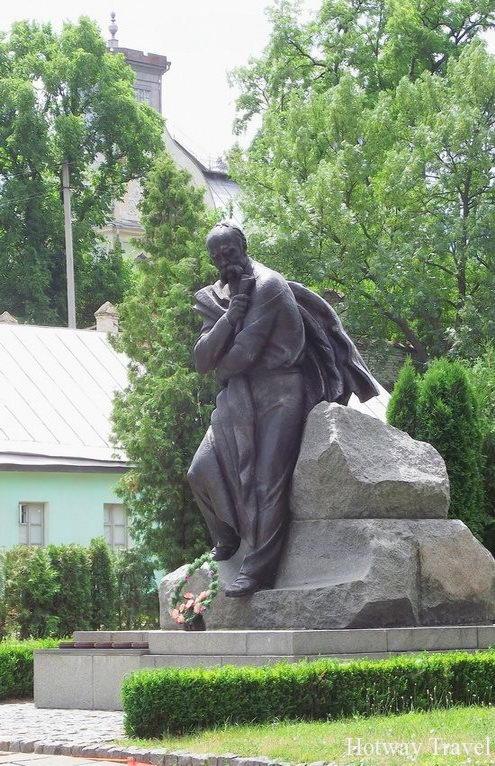 korsun-shevchenkovskiy-park-ukraine-3-small (1)
