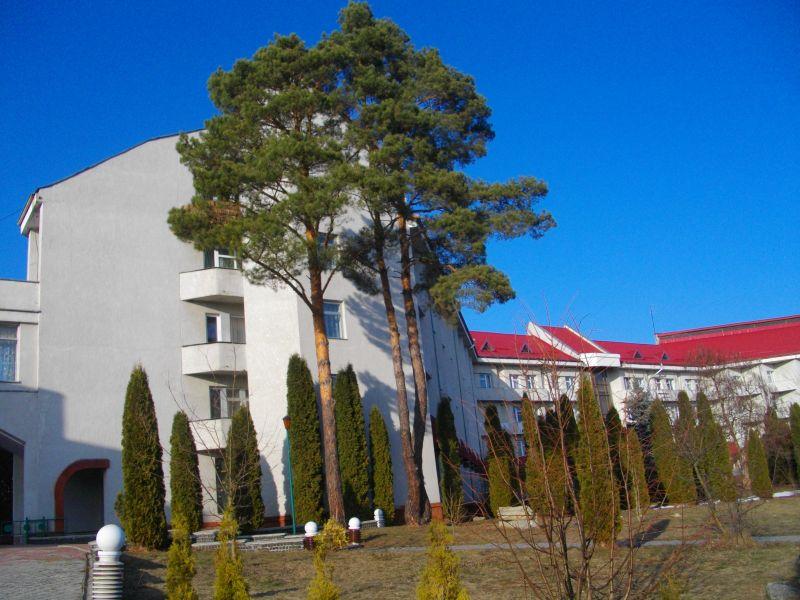 Готельний комплекс Червона Калина 3