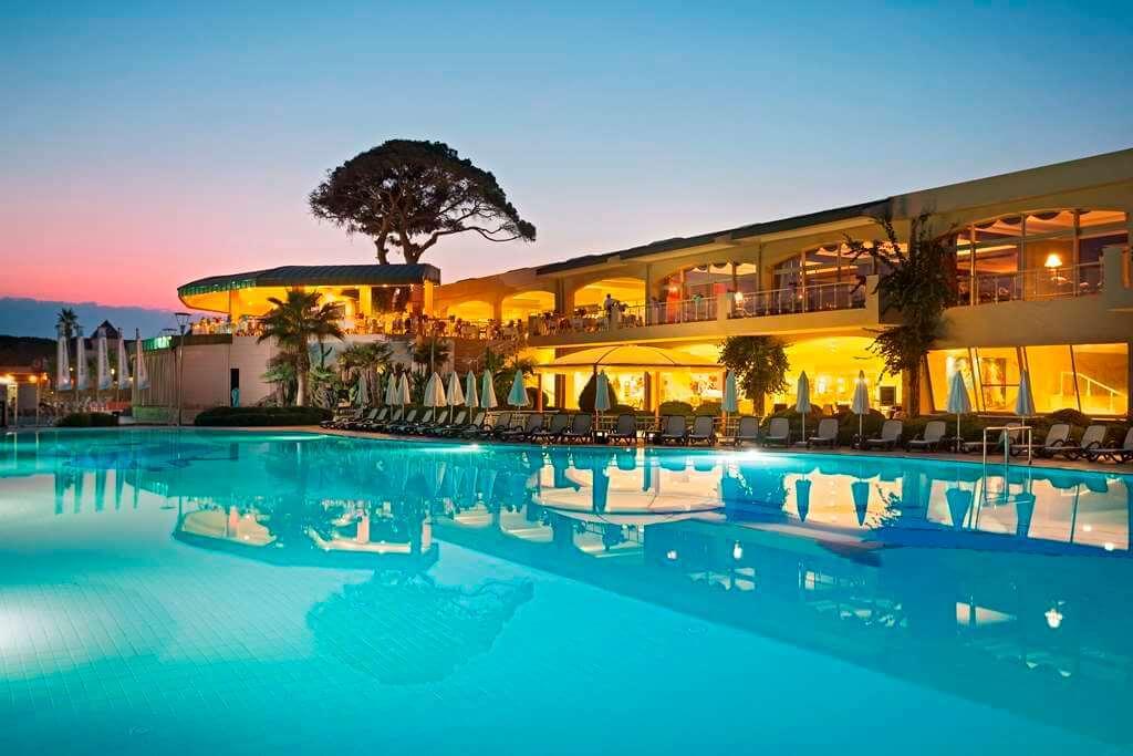 отдых в Maritim Pine Beach Resort Belek от туристической компании «Датур».