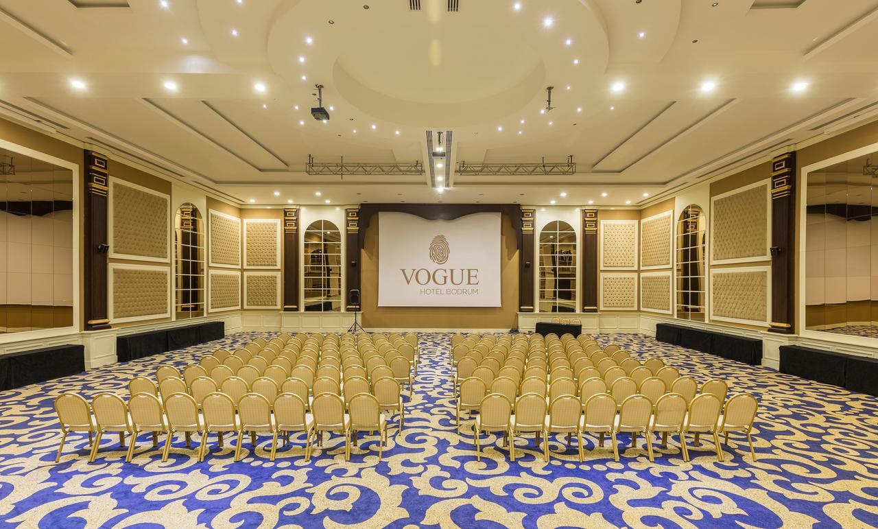 Фото нового отеля Vogue Hotel Bodrum 5* театр