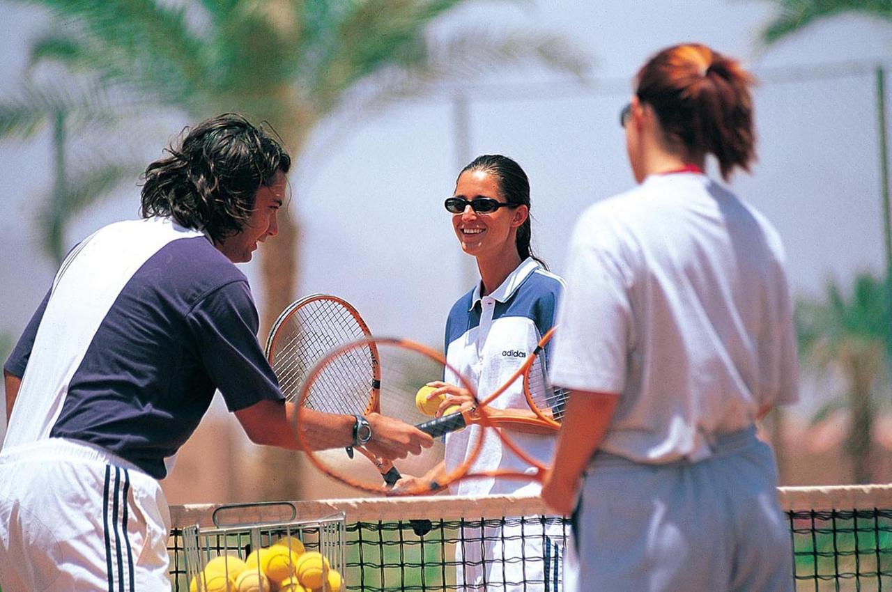 Фото отеля в Египте Reef Oasis Beach Resort 5* услуги